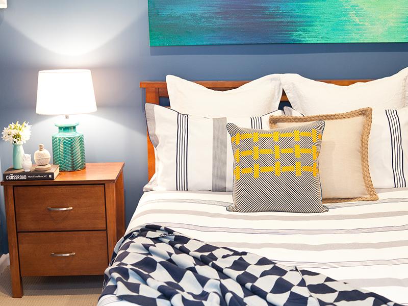 Bachelor-Pad-Bedroom2